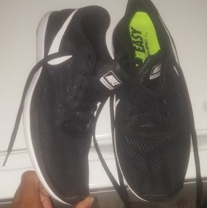 Men's Nikes size 9